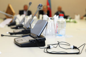 """La Delegación de Estudiantes de la FTI y la AETI organizan la conferencia """"Introducción al mundo de la traducción e interpretación judicial"""" el miércoles 17 de octubre de 2018"""
